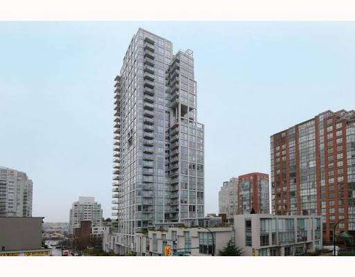 "Main Photo: 605 1455 HOWE Street in Vancouver: False Creek North Condo for sale in ""POMARIA"" (Vancouver West)  : MLS® # V798915"