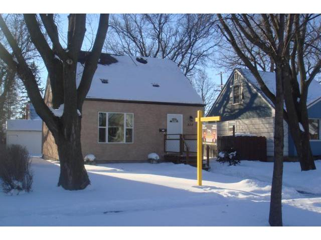 Main Photo: 834 BEACH Avenue in WINNIPEG: East Kildonan Residential for sale (North East Winnipeg)  : MLS®# 1023440