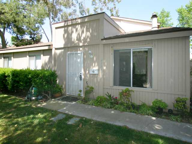 Main Photo: UNIVERSITY CITY Condo for sale : 3 bedrooms : 4177 Camino Islay in San Diego