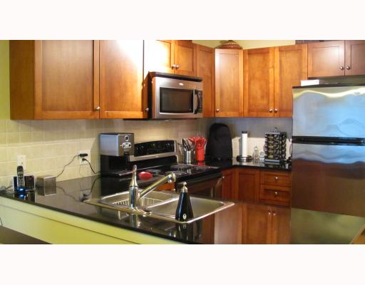 "Photo 7: 212 315 KNOX Street in New Westminster: Sapperton Condo for sale in ""SAN MARINO"" : MLS(r) # V809268"