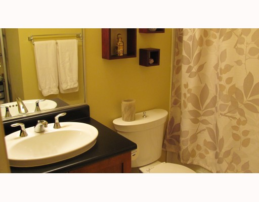 "Photo 9: 212 315 KNOX Street in New Westminster: Sapperton Condo for sale in ""SAN MARINO"" : MLS(r) # V809268"