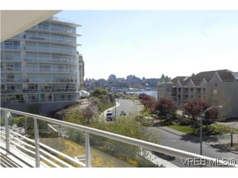 Photo 9: 212 68 Songhees Road in VICTORIA: VW Songhees Condo Apartment for sale (Victoria West)  : MLS® # 261034