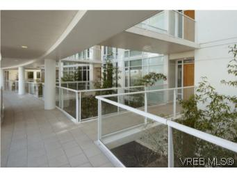 Photo 17: 212 68 Songhees Road in VICTORIA: VW Songhees Condo Apartment for sale (Victoria West)  : MLS® # 261034