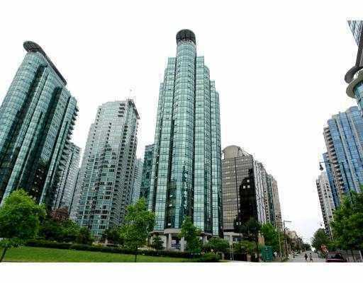 "Main Photo: 807 555 JERVIS Street in Vancouver: Coal Harbour Condo for sale in ""HARBOURSIDE PARK"" (Vancouver West)  : MLS® # V768157"