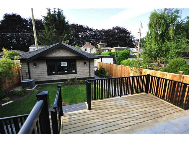 Photo 10: 2737 W 14TH Avenue in Vancouver: Kitsilano House for sale (Vancouver West)  : MLS® # V833899
