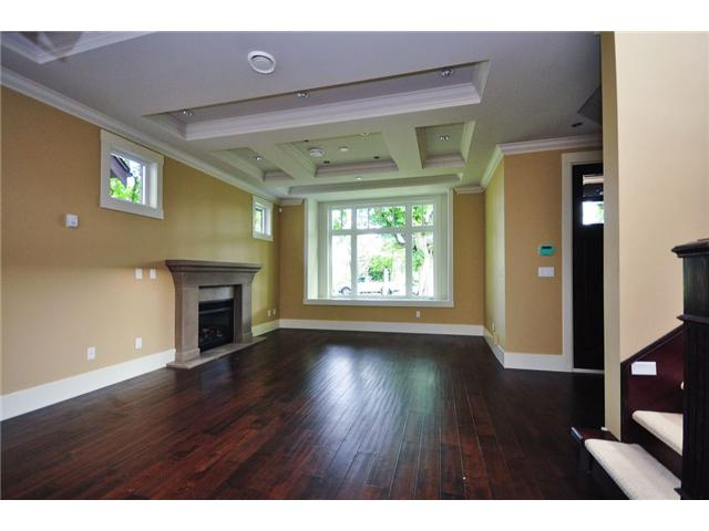 Photo 3: 2737 W 14TH Avenue in Vancouver: Kitsilano House for sale (Vancouver West)  : MLS® # V833899