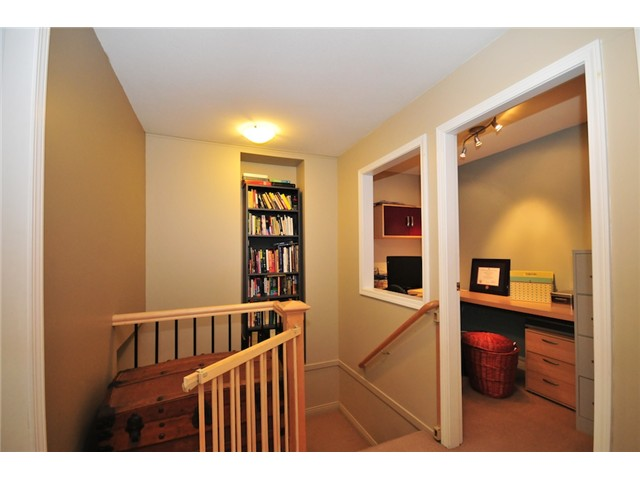 "Photo 8: 101 2119 YEW Street in Vancouver: Kitsilano Townhouse  in ""KITS PALISADE"" (Vancouver West)  : MLS® # V848012"