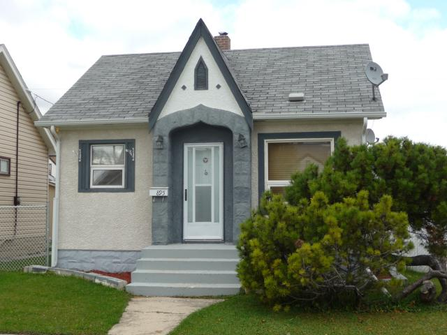 Photo 3: 895 Magnus Avenue in WINNIPEG: North End Residential for sale (North West Winnipeg)  : MLS(r) # 1019234