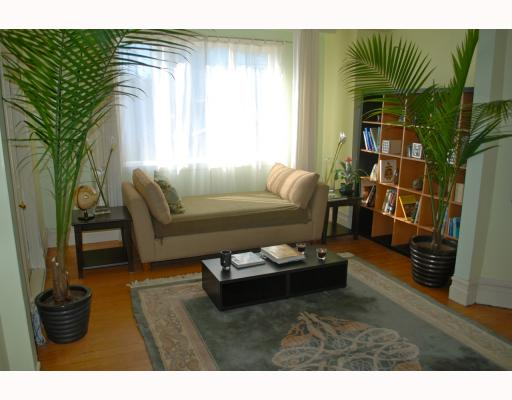 Photo 2: 1024 KEEFER Street in Vancouver: Mount Pleasant VE House Triplex for sale (Vancouver East)  : MLS(r) # V757218