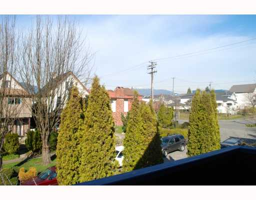 Photo 8: 1024 KEEFER Street in Vancouver: Mount Pleasant VE House Triplex for sale (Vancouver East)  : MLS(r) # V757218