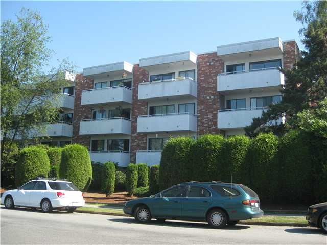 "Main Photo: 217 360 E 2ND Street in North Vancouver: Lower Lonsdale Condo for sale in ""Emerald Manor"" : MLS® # V841588"