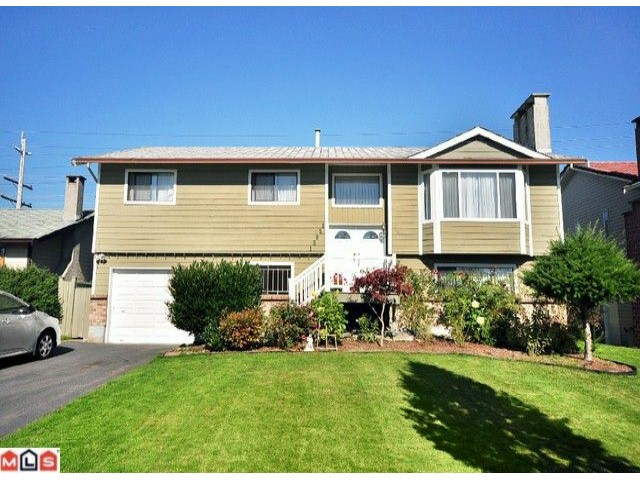 Main Photo: 15051 95TH Avenue in Surrey: Fleetwood Tynehead House for sale : MLS® # F1025803