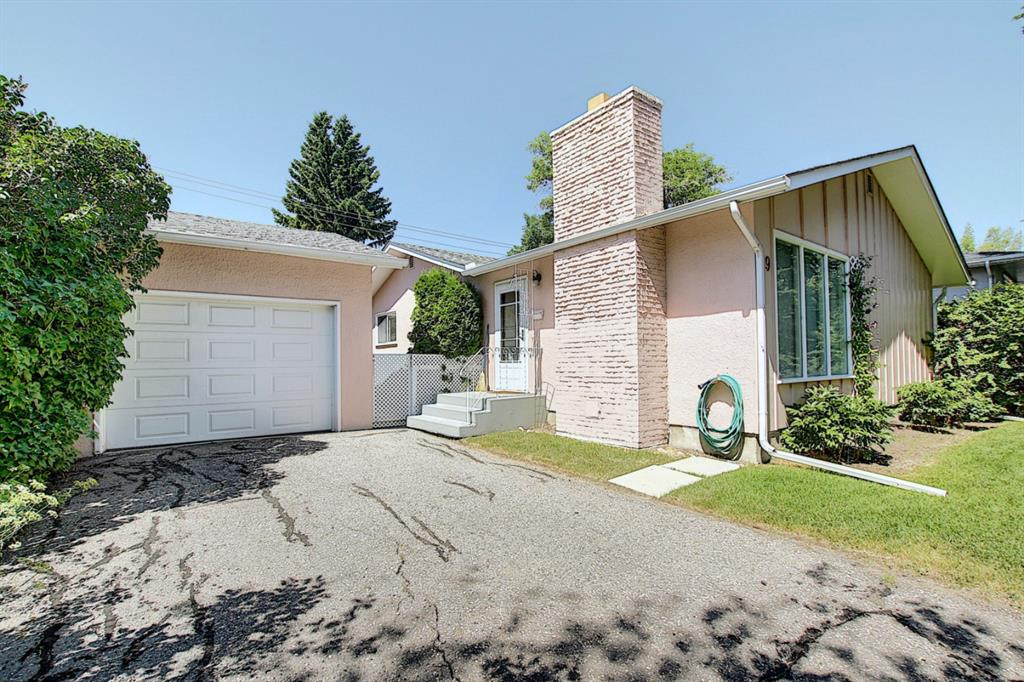 FEATURED LISTING: 49 Haysboro Crescent Southwest Calgary