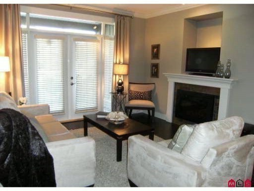 "Photo 3: 407 15368 17A Avenue in Surrey: King George Corridor Condo for sale in ""OCEAN WYNDE"" (South Surrey White Rock)  : MLS(r) # F1006339"