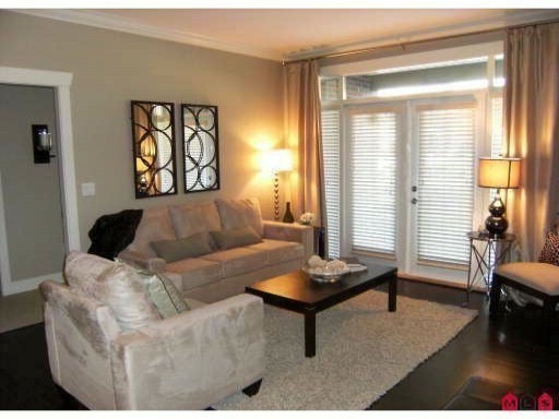 "Photo 2: 407 15368 17A Avenue in Surrey: King George Corridor Condo for sale in ""OCEAN WYNDE"" (South Surrey White Rock)  : MLS(r) # F1006339"