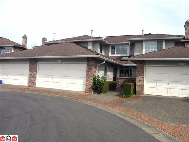 "Main Photo: 102 6094 W BOUNDARY Drive in Surrey: Panorama Ridge Townhouse for sale in ""LAKEWOOD ESTATES"" : MLS®# F1011034"