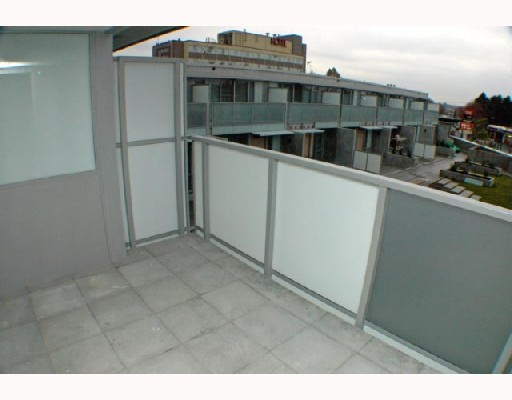 "Photo 7: 409 2770 SOPHIA Street in Vancouver: Mount Pleasant VE Condo for sale in ""STELLA"" (Vancouver East)  : MLS® # V742374"