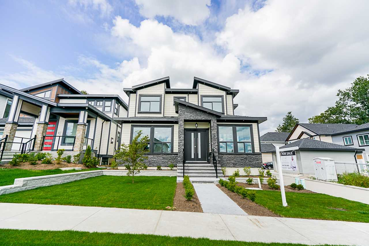 FEATURED LISTING: 20571 70 Avenue Langley