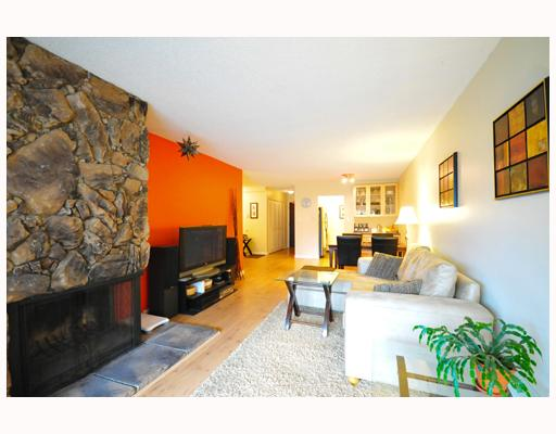 Photo 2: 304 1352 W 10TH Avenue in Vancouver: Fairview VW Condo  (Vancouver West)  : MLS(r) # V803125