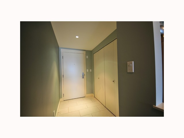 "Photo 2: 407 2520 MANITOBA Street in Vancouver: Mount Pleasant VW Condo  in ""THE VUE"" (Vancouver West)  : MLS® # V814332"