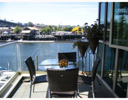 "Photo 2: 306 1600 HORNBY Street in Vancouver: False Creek North Condo for sale in ""YACHT HARBOUR POINTE"" (Vancouver West)  : MLS® # V727890"
