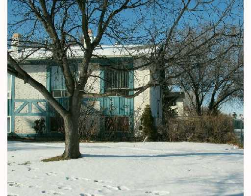 Main Photo:  in WINNIPEG: North Kildonan Residential for sale (North East Winnipeg)  : MLS® # 2822141