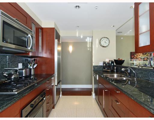 "Photo 5: 805 590 NICOLA Street in Vancouver: Coal Harbour Condo for sale in ""CASCINA"" (Vancouver West)  : MLS® # V758875"