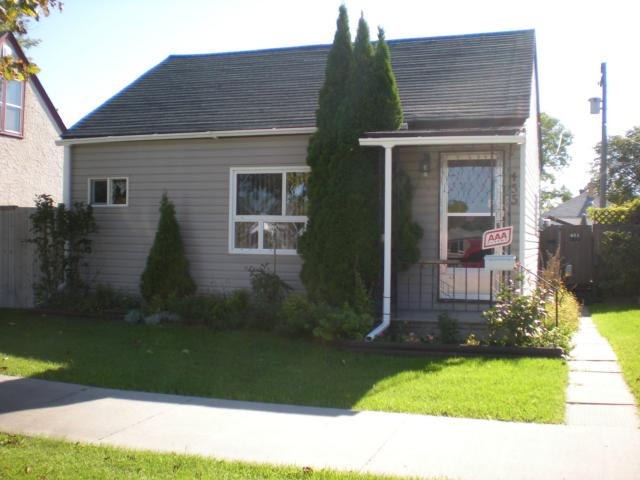 Main Photo: 455 CAIRNSMORE Street in WINNIPEG: North End Residential for sale (North West Winnipeg)  : MLS(r) # 1018306