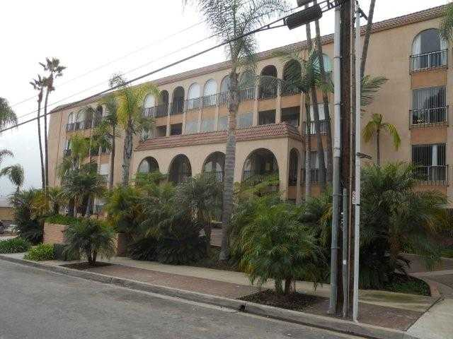 Main Photo: PACIFIC BEACH Condo for sale : 1 bedrooms : 4730 Noyes #203