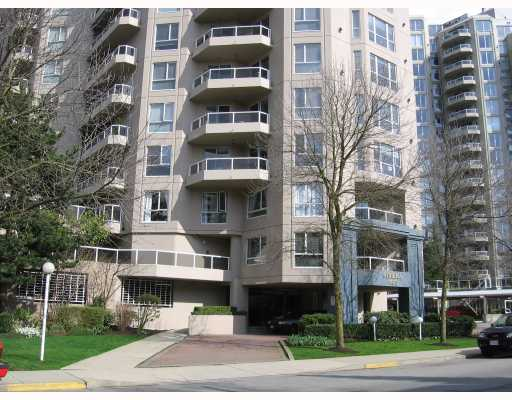 "Photo 1: 807 1185 QUAYSIDE Drive in New_Westminster: Quay Condo for sale in ""The Riveria"" (New Westminster)  : MLS® # V721112"
