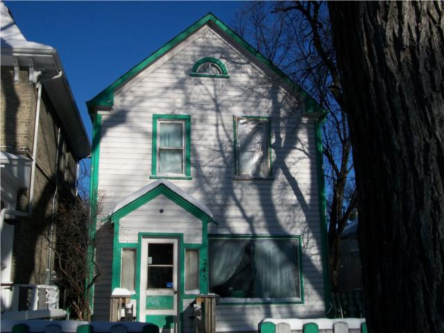Main Photo: 245 Manitoba Avenue in WINNIPEG: North End Residential for sale (North West Winnipeg)  : MLS® # 1001765