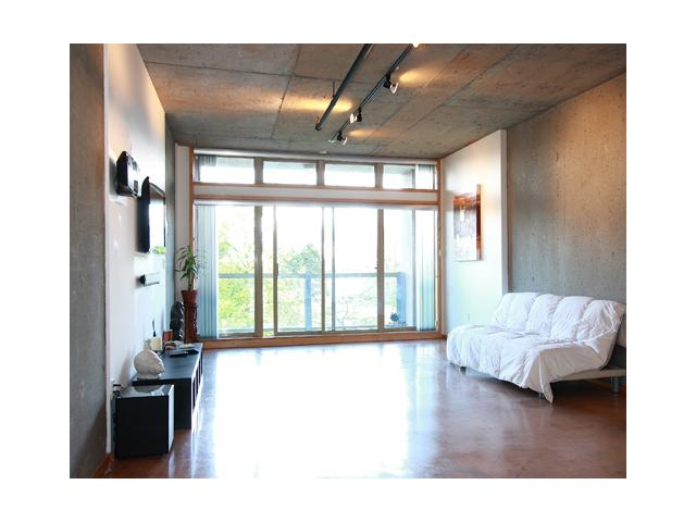 "Main Photo: 202 1529 W 6TH Avenue in Vancouver: False Creek Condo for sale in ""WSIX"" (Vancouver West)  : MLS® # V819849"