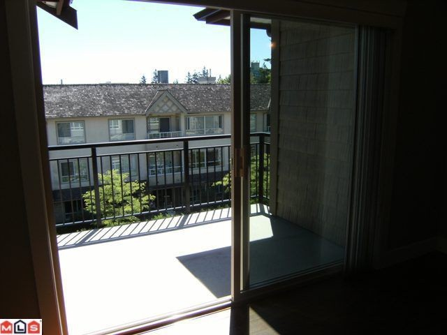 "Photo 5: 305 15368 17A Avenue in Surrey: King George Corridor Condo for sale in ""Ocean Wynde"" (South Surrey White Rock)  : MLS® # F1013160"