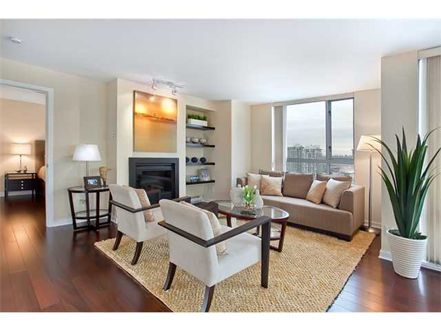 "Main Photo: 2303 1225 RICHARDS Street in Vancouver: Downtown VW Condo for sale in ""THE EDEN"" (Vancouver West)  : MLS(r) # V853780"