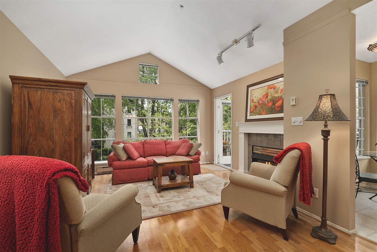 FEATURED LISTING: 302 - 655 13TH Avenue West Vancouver
