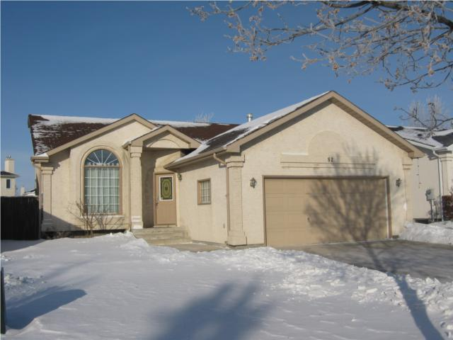 Main Photo: 82 Gull Wing Bay in WINNIPEG: Windsor Park / Southdale / Island Lakes Residential for sale (South East Winnipeg)  : MLS® # 1000369