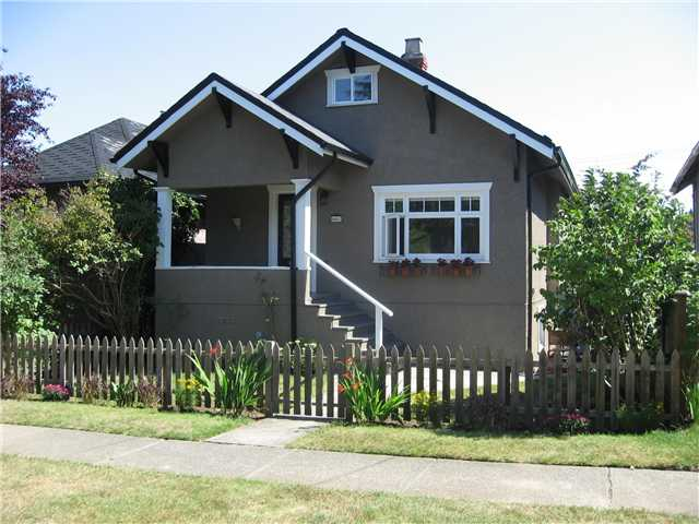 "Main Photo: 4462 JOHN Street in Vancouver: Main House for sale in ""MAIN ST"" (Vancouver East)  : MLS(r) # V846144"