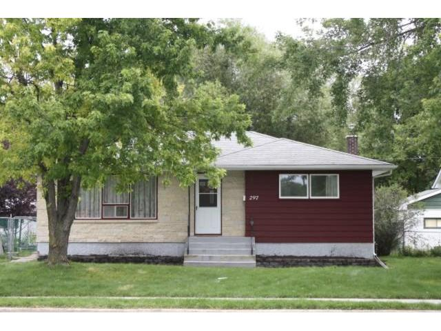 Main Photo: 297 WESTWOOD Drive in WINNIPEG: Westwood / Crestview Residential for sale (West Winnipeg)  : MLS® # 1016374