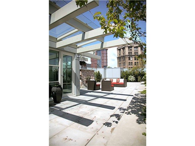 "Photo 10: 703 546 BEATTY Street in Vancouver: Downtown VW Condo for sale in ""CRANE BUILDING"" (Vancouver West)  : MLS® # V858508"
