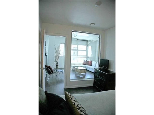 "Photo 7: 703 546 BEATTY Street in Vancouver: Downtown VW Condo for sale in ""CRANE BUILDING"" (Vancouver West)  : MLS® # V858508"