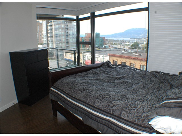 "Photo 4: 607 1068 W BROADWAY in Vancouver: Fairview VW Condo for sale in ""THE ZONE"" (Vancouver West)  : MLS(r) # V861214"