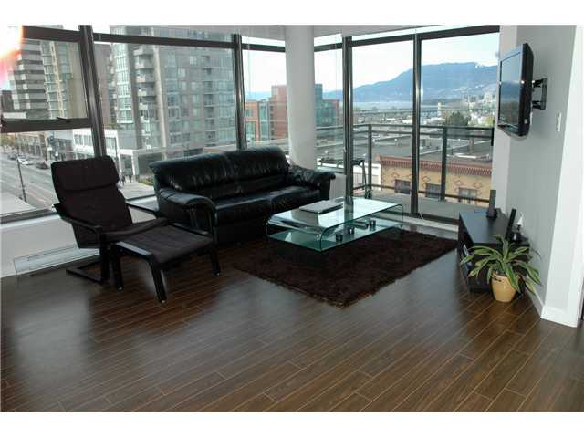 "Photo 3: 607 1068 W BROADWAY in Vancouver: Fairview VW Condo for sale in ""THE ZONE"" (Vancouver West)  : MLS(r) # V861214"