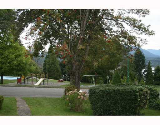 Photo 2: 4212 MCGILL Street in Burnaby: Vancouver Heights House for sale (Burnaby North)  : MLS® # V736043