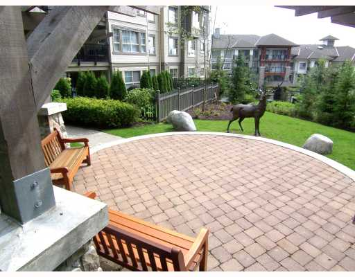 "Photo 10: 204 2958 WHISPER Way in Coquitlam: Westwood Plateau Condo for sale in ""SUMMERLIN"" : MLS(r) # V786045"