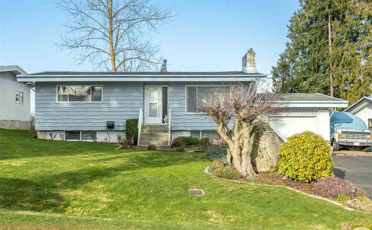 FEATURED LISTING: 32587 WILLINGDON Crescent Abbotsford