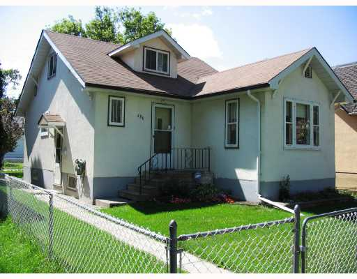 Main Photo: 486 BOYD Avenue in WINNIPEG: North End Residential for sale (North West Winnipeg)  : MLS® # 2815185