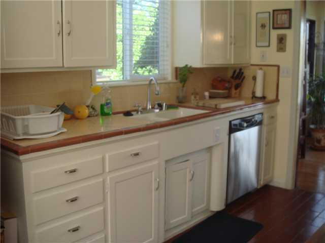 Photo 6: SPRING VALLEY House for sale : 2 bedrooms : 3460 Diversion Dr