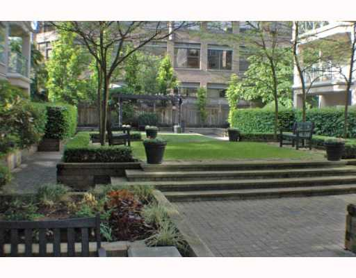 Photo 2: 125 511 W 7TH Avenue in Vancouver: Fairview VW Condo for sale (Vancouver West)  : MLS(r) # V768353