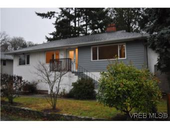 Main Photo: 3535 Maplewood Road in VICTORIA: SE Cedar Hill Single Family Detached for sale (Saanich East)  : MLS(r) # 271702
