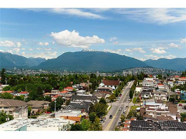 "Main Photo: 905 3438 VANNESS Avenue in Vancouver: Collingwood VE Condo for sale in ""CENTRO"" (Vancouver East)  : MLS® # V841006"